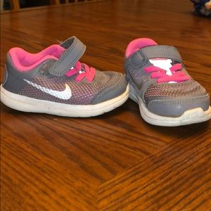 Nike sneakers for toddler girl